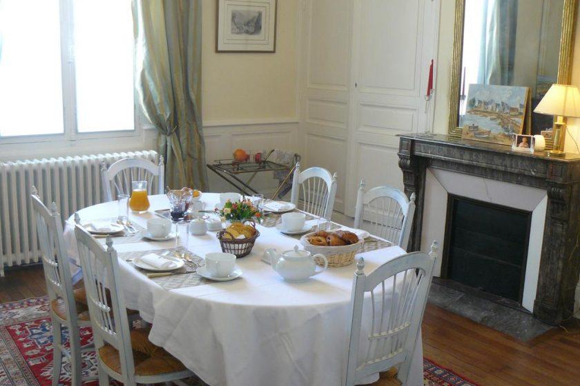 maison-hotes-saumur-repas-dejeuner-1