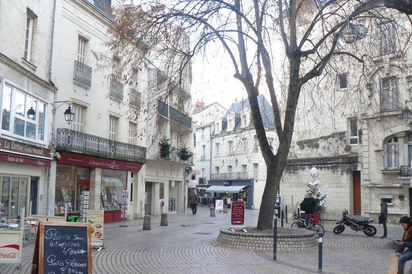 VILLE rue piètonne à Saumur
